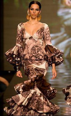 trajes de flamenca vicky martin berrocal canasteros - Buscar con Google
