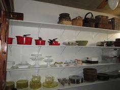 Organização de louceiros e panelas