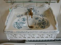 Victorian Blue Transfer Basin and Bracket by Johnson Bros. c.1880 LOVE THE SINK