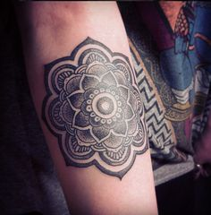zoeyelizabethx:  My Mandala Dot work Tattoo