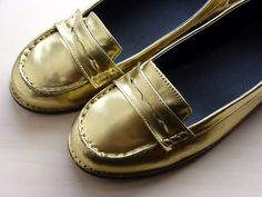 J.Crew Inspired Gold Loafers using Spray Paint from Krylon. Full Step-by-Step Tutorial.