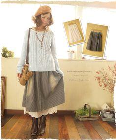 Vintage森のnaturalスカート。   ボーダー柄デニムスカートと、裾にスカラップレースが施された