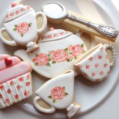 Tea Cookies for your tea party. by melva Mother's Day Cookies, Tea Cookies, Galletas Cookies, Fancy Cookies, Royal Icing Cookies, Cupcake Cookies, Sugar Cookies, Cookies Et Biscuits, Cookie Designs