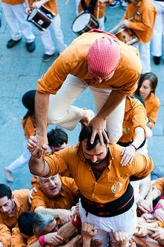 Castellers - Escalade - équipe de Vic  Mercat del Ram  Vic   Catalonia