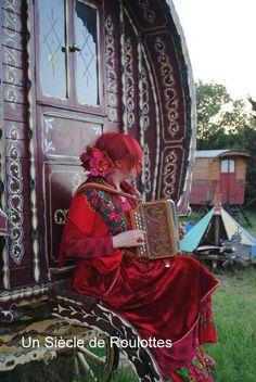 Caravan Gypsy Vardo Wagon:  #Gypsy wagons and roulottes.