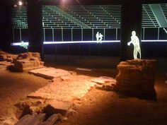 London's Roman Amphitheatre, Guildhall