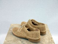 Stunning and natural handwoven handmade Moroccan raffia shoes. Raffia is a renewable and durable fiber, obtained from the leaves of palm trees that grow mainly in Madagascar. Fiber is dyed in natural vegetable colors. Available in sizes: women EU 37-42 US 6-11 Men Interior sole
