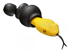 Quarkie Earbuds: Yellow Viper Head