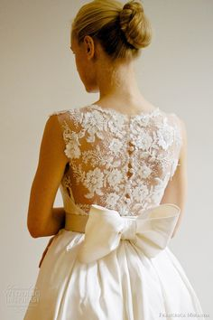 lace back wedding gown with bow -francesca miranda