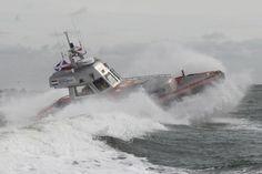 Full speed tegen de golven in, door: Rens Marijs