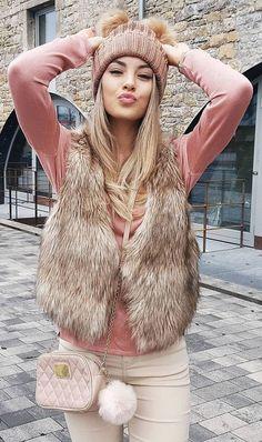 Beautiful Summer Outfits You Will Love Faux Fur Vest + Pink Blouse Fur Vest Outfits, Cute Outfits, Look Fashion, Fashion Outfits, Womens Fashion, Steampunk Fashion, Gothic Fashion, Fall Winter Outfits, Autumn Winter Fashion