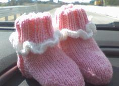 Wishing I was Knitting at the Lake: Ruffled Baby Socks, ver.2