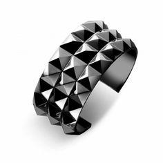Waterford Rebel Ella B Cuff Gunmetal (19.370 HUF) ❤ liked on Polyvore featuring jewelry, bracelets, heart jewelry, punk jewelry, heart-shaped jewelry, waterford and gun metal jewelry