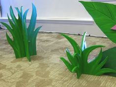 Blades of grass made out of rigid foam, for The Jungle Book or The Lion King Party Safari Theme, Jungle Theme, Jungle Safari, Paper Leaves, Paper Flowers, Submerged Vbs, Jungle Party Decorations, Stage Props, Off The Map