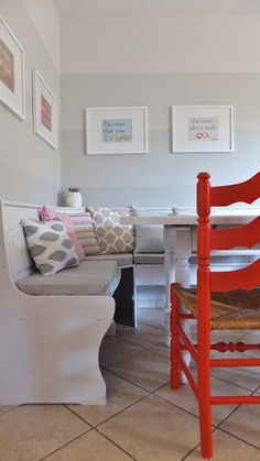 DIY kitchen nook with storage in the benches.... i would love to have one of these!!