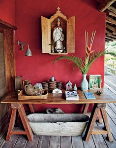 Love this red and the wood... for somewhere!  Hacienda Style | Photo: Fernando Lombardi