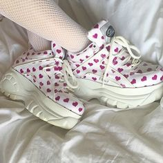 Image discovered by tmblr: getwellhoney. Find images and videos about pink, white and grunge on We Heart It - the app to get lost in what you love. Pretty Shoes, Cute Shoes, Me Too Shoes, Bobbies Shoes, Aesthetic Shoes, Aesthetic Style, Dream Shoes, Sock Shoes, Look Fashion