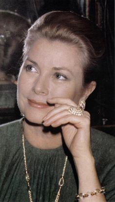 Grace Kelly, Princess Grace of Monaco                                                                                                                                                                                 Más