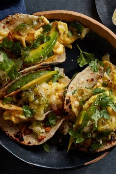 Migas Breakfast Tacos: Scrambled eggs that are loaded with onions and poblanos and tortilla chips with a slice of avocado on top — along with melted cheese — adds a nice creaminess to the mix. Brunch Recipes, Breakfast Recipes, Dinner Recipes, Quiche, Breakfast Tacos, Vegan Breakfast, Rice Krispie Treats, Rice Krispies, Tortilla Chips