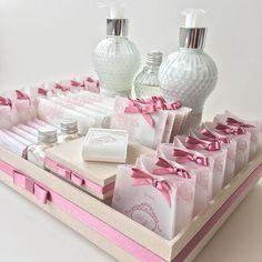 Kit toilette dos sonhos #kittoilette #kitbanheiro #identidadevisual #convitedecasamento #weddingstationery #susanafujita