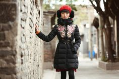 quality white duck Down coat exquisite embroidery Down