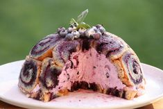 Čučoriedkova šarlota - recept s fotopostupom Kefir, Dessert Recipes, Desserts, Cheesecake, Ale, Food And Drink, Ice Cream, Mascarpone, Sherbet Ice Cream