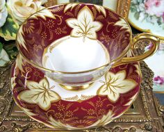 STUNNING TUSCAN TEA CUP AND SAUCER RED & GOLD GILT PATTERN CUP AND SAUCER LEAVES