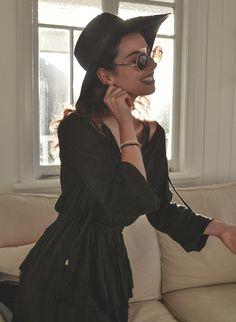 Elle-May Leckenby: Retro Hippie Metal Lennon Round Color Lens Sunglasses 8594