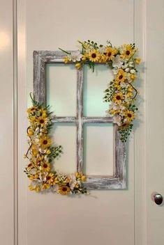 Window Frame Decor, Window Art, Old Window Frames, Old Window Ideas, Old Window Projects, Shabby Chic Wreath, Wood Wreath, Bois Diy, Creation Deco