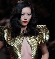 Fannie Schiavoni for Alexandre Vauthier Alexandre Vauthier, Spring Summer, Wonder Woman, Sculpture, Couture, Superhero, Theme Ideas, Runway, Board