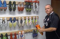 Soccer footwear is no longer just about boring black and white boots. Toronto FC players now get their kicks from blindingly bright and colourful boot. Soccer Fans, Soccer Cleats, Black And White Boots, Toronto Fc, Soccer Boots, Cleats Shoes, Couture Fashion, Fashion Shoes, Cool Style