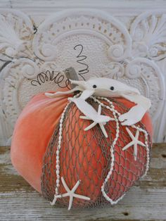 If you love beachy, coastal pumpkins then you will love these 20 Coastal Pumpkin Ideas that you can make for your self! Perfect for coastal fall decorating. Fall Crafts, Holiday Crafts, Holiday Fun, Holiday Decor, Holiday Ideas, Coastal Fall, Coastal Decor, Coastal Style, Nautical Style