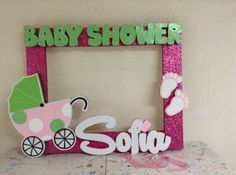 Aprende cómo hacer marcos de baby shower para selfies