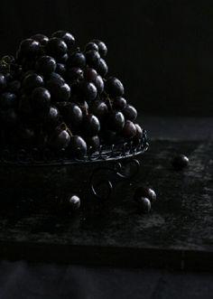 Dark Grapes. Zippertravel.com