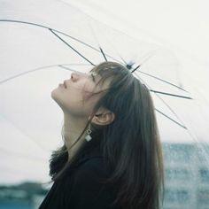 左右10本の指には意味がある。指輪をはめる位置で変わるパワーとは? – lamire [ラミレ] Rainy Mood, Pretty Asian Girl, Female Portrait, Super Cute, Kawaii, Film, Artwork, Instagram Posts, Random Things