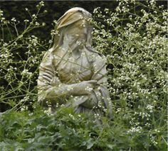 a-l-ancien-regime:    A statue in the garden at Houghton Hall.   #EasyNip