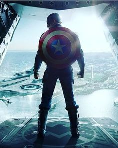 Marvel's Avengers: Age of Ultron (Theatrical) - Movie Poster Club Capitan America Marvel, Capitan America Chris Evans, Marvel Captain America, Captain America Sheild, Iron Man Captain America, Chris Evans Captain America, Marvel Dc Comics, Marvel Heroes, Marvel Characters