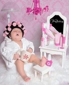 Lifestyle of a hairstylist   Funny Baby Pictures, Baby Girl Pictures, Newborn Baby Photos, Baby Poses, Cute Baby Pictures, Newborn Pictures, Baby Girl Newborn, Newborn Session, Baby Baby