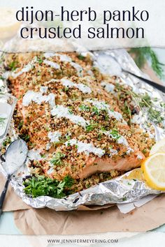Dijon-Herb Panko Crusted Salmon - Super simple baked salmon topped with a dijon mustard and herb panko crust that is broiled to crisp and topped with a creamy dill sauce. Panko Crusted Cod, Crusted Salmon, Delicious Salmon Recipes, Baked Salmon Recipes, Ww Recipes, Cooking Recipes, Drink Recipes, Simple Baked Salmon, Creamy Dill Sauce