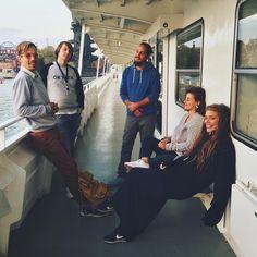 49 отметок «Нравится», 1 комментариев — Volna Bar via Brusov Ship (@volnabar) в Instagram: «Корабельное братство ⚓️🙏🏻 #volnabar #brusovship #friends»