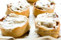 Paleo Cinnamon Rolls are so good! These cinnamon rolls are perfect to serve to guests for a healthier dessert. Who said you couldn't eat cinnamon rolls on the Paleo diet? Paleo Dessert, Paleo Sweets, Dessert Recipes, Primal Recipes, Gluten Free Recipes, Real Food Recipes, Yummy Food, Gluten Free Cinnamon Rolls, Paleo Breakfast