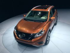 """Features above the rest. A unique """"floating roof"""" gives the Murano a lower, lighter profile – an inspired contrast to the  traditional SUV. © Joshua Allen Harris"""