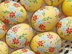 Real hand-painted Easter eggs - set of 6 eggs Egg Crafts, Easter Crafts, Spring Crafts, Holiday Crafts, Easter Egg Designs, Ukrainian Easter Eggs, Diy Ostern, Egg Art, Easter Celebration