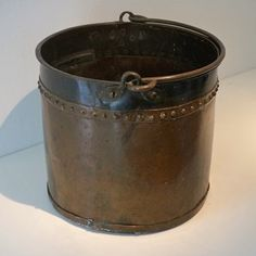 Dutch brass and copper bucket. Late 18th or early 19th century.
