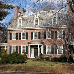 <p>A refreshing palette is found in this 1928 Wilmington, Delaware colonial</p>