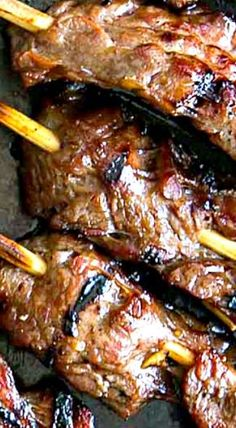 Grilled Skirt Steak Skewers Recipe Grilled Skirt Steak Skewers - Marinated skirt steak, threaded onto skewers and grilled until falling off the skewer tender with wonderful caramelized bits. Skewer Recipes, Meat Recipes, Cooking Recipes, Seafood Recipes, Seared Salmon Recipes, Pan Seared Salmon, Steak Skewers, Grilled Skewers, Kebab Skewers