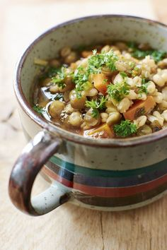 How to Make a Hearty Slow Cooker Beef and Barley Soup