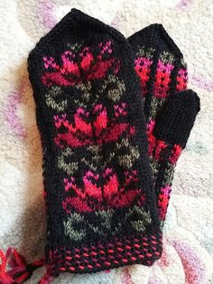 Fair Isle Knitting, Knit Mittens, Knit Crochet, Knitting Patterns, Gloves, Hair Beauty, Socks, Sewing, Clothing
