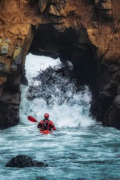 Basic Kayaking Tips and Pics of Kayak Camping Trip Michigan. Tip 54556777 Basic Kayaking Tips Kayak Camping, Canoe And Kayak, Kayak Fishing, Sea Kayak, Kayaks, Snowboard, Sports Nautiques, Famous Sports, Sports Logo