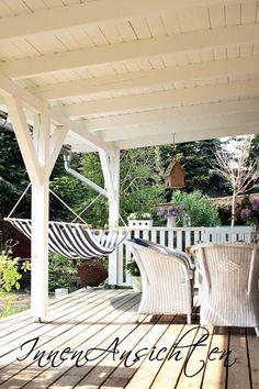 INNENANSICHTEN: Lila Pause auf der weißen Veranda!